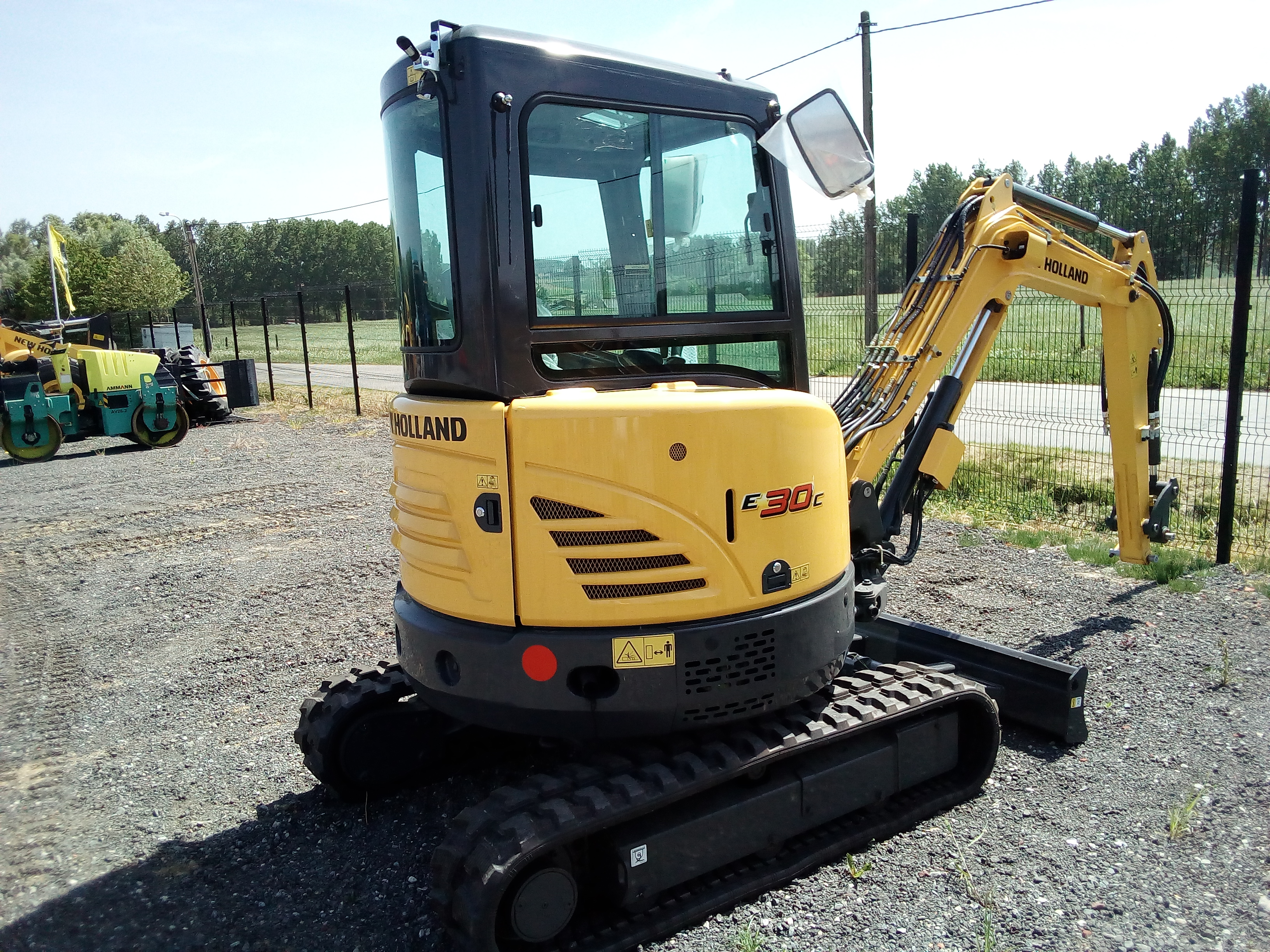 New Holland E 30 C